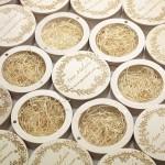 Коробочки для флешек с гравировкой логотипа